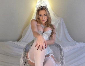 content/Ice-Queen-Seduction/1.jpg